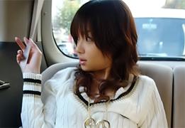 【無修正】昼間から車の中で淫猥なことをヤリまくる!美巨乳娘とカーセックス!!