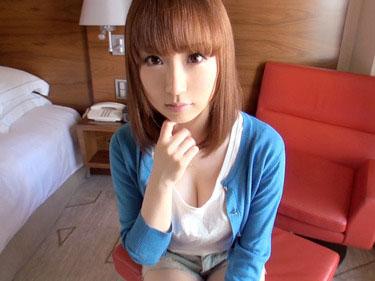 【画像あり】清楚な感じの可愛い女子大生!おっぱいの形と張りが芸術すぎ。