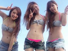 FacebookやTwitterで夏のリア充自慢してる素人の水着画像