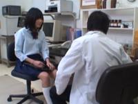 学校の実験室で・・睡眠薬で意識を失った女子校生にいたずら。