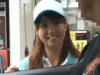 ガソリンスタンドで働いてる女の子が可愛かったので襲っちゃいましたww