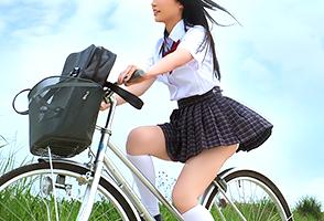 石垣島の巨乳女子校生と夕立にも気にせずビショ濡れでヤリまくった夏休み!