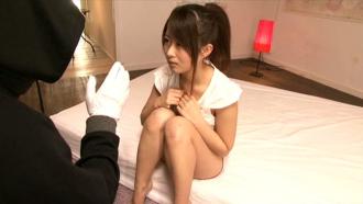 催眠術をかけられた美少女JDがよだれを垂らしながら白目を剥いて全身マ○コに豹変!