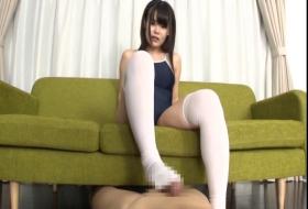 【コスプレ】 スクール水着の美少女が必死の足コキで発射させまくり