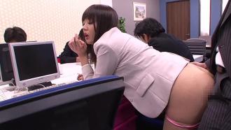 パンツ丸見えなタイトスカートを穿く見せつけOLなんて媚薬を盛って犯っちまえ!