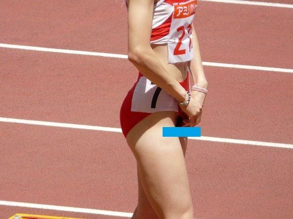 女子陸上の全国大会でカメラマンに'ま●こ'激写された学生選手wwwwwww