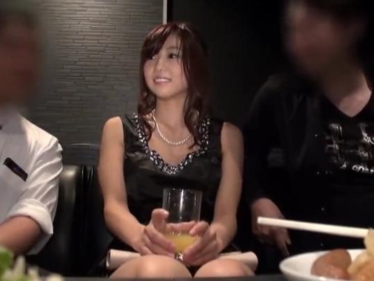 【結婚式寝取り】二次会で酔った美人妻がお持帰り・・・ ⇒ 中出しハメ撮りしちゃってます。